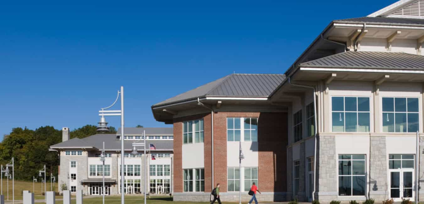 Does the Ashworth College Offer Financial Aid