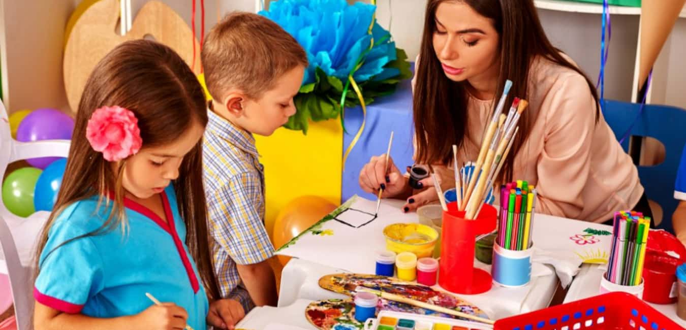 Courses in an online early education program